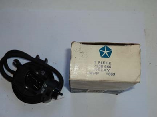 Picture of Ac/Heater Vacuum Time Delay Relay Chrysler # 2936666 3441868