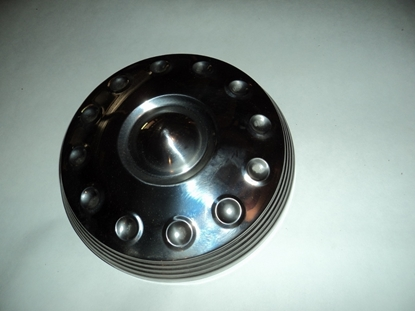 Picture of 1960 to 1961 Plymouth Valiant Hub cap 2073361