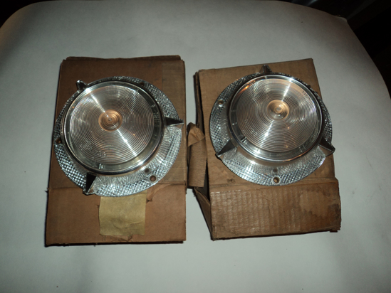 Picture of 1957 Plymouth Park light lens 1689859