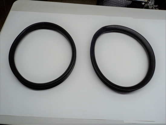 Picture of Rear Quarter Window Rubber Pairs Moulded For Dodge Truck B-Series 1948 1949 1950 1951 1952 1953